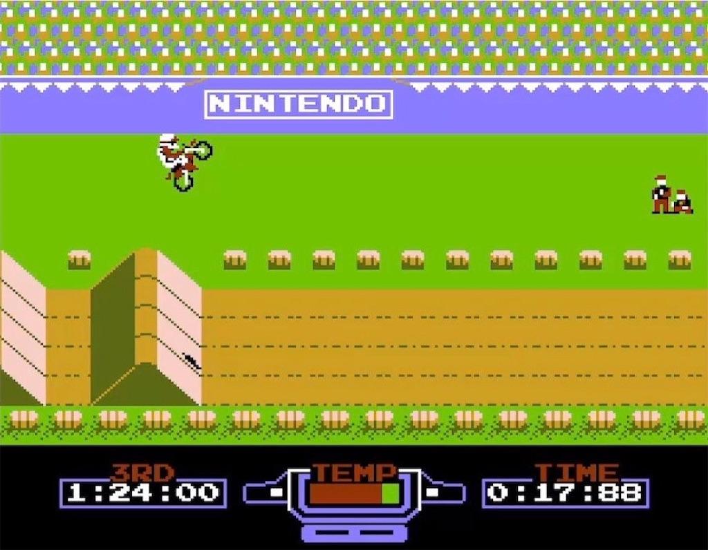 ファミコン『エキサイトバイク』ジャンプ