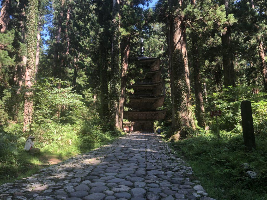 羽黒山『国宝』五重塔